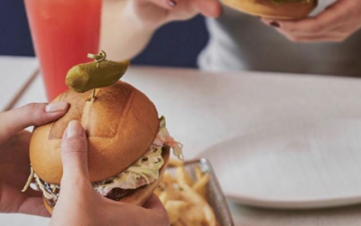 Umami Burger Welcomes The Industry & Gives Back to Gift Card Buyers