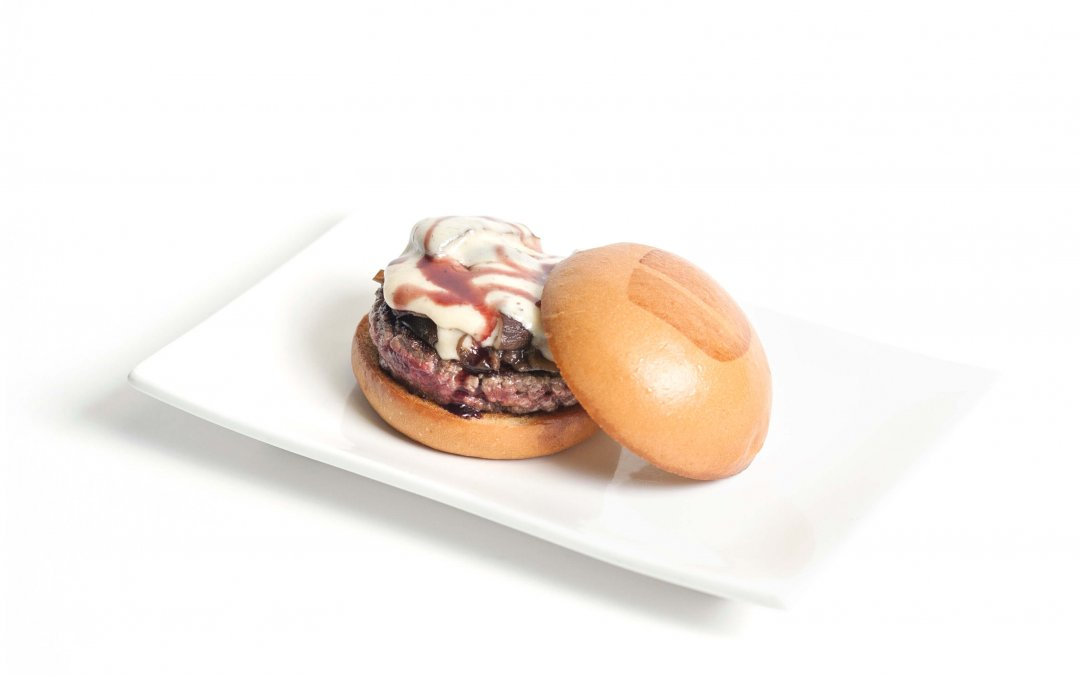 Umami Burger Celebrates Nat'l. Hamburger Day with STVMOW